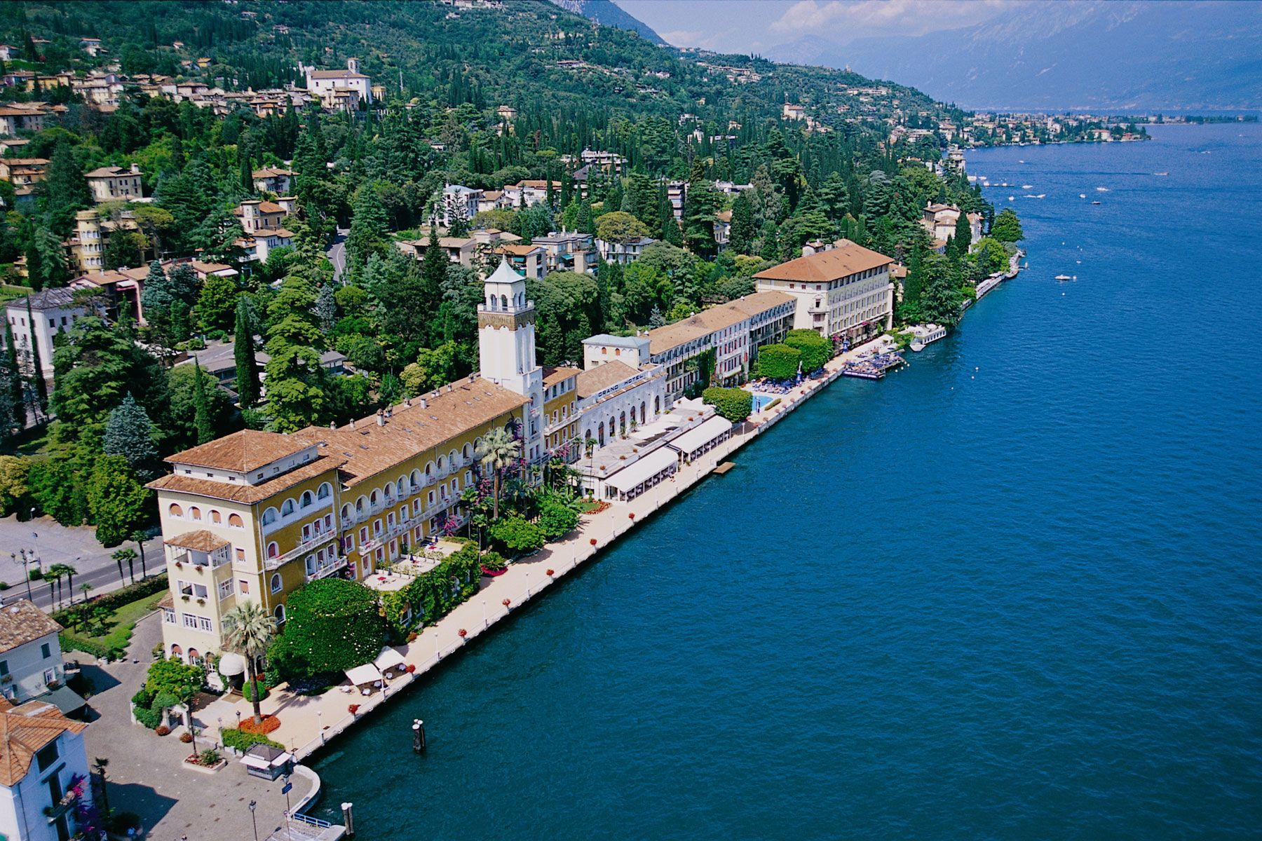 Lake Como Area View
